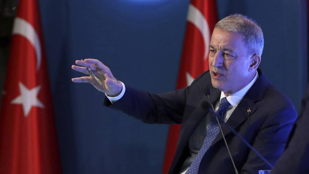 Turkiets försvarsminister Hulusi Akar meddelar beslutet om ledningscentralen under ett möte i Ankara på onsdagen.