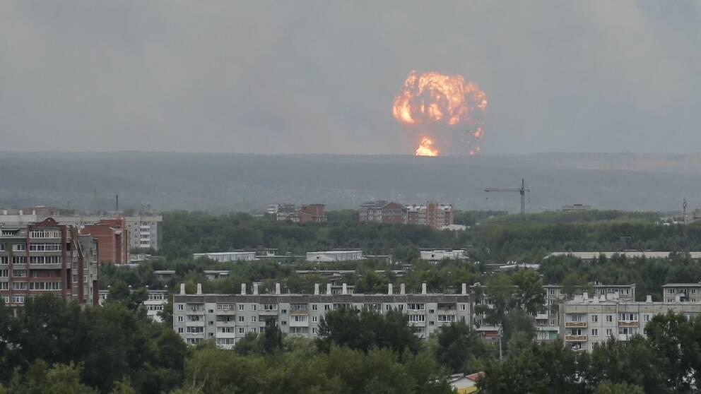 Ammunitionsdepån i sibiriska Krasnojarsk skakas av nya explosioner. Arkivbild.