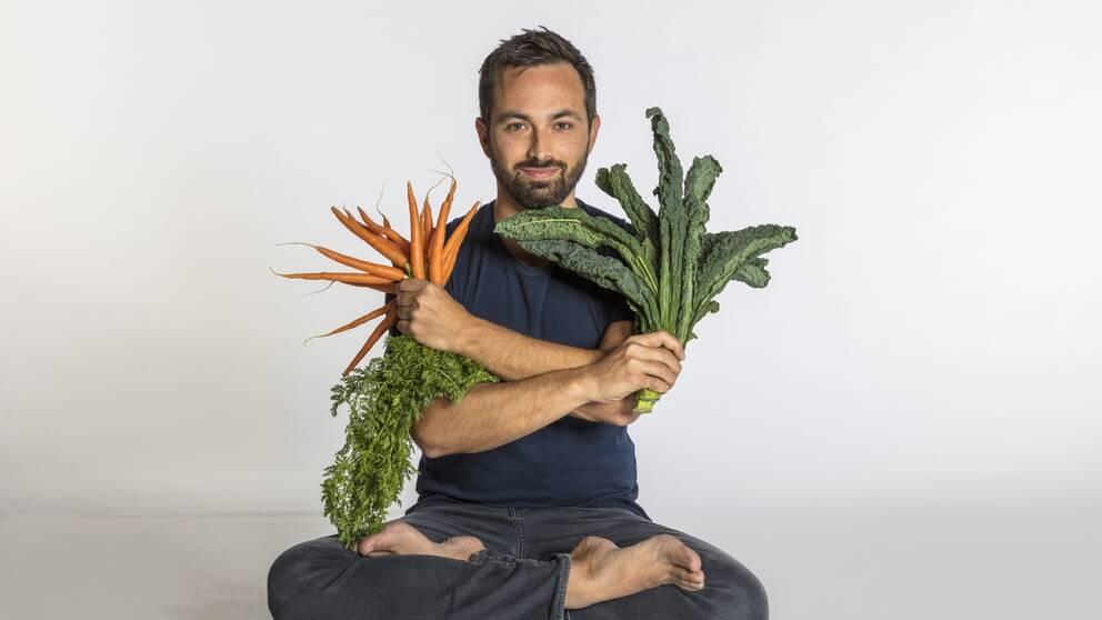 Får vi tillräckligt med vitaminer med maten? Forskaren och tv-makaren Derek Muller reder ut.