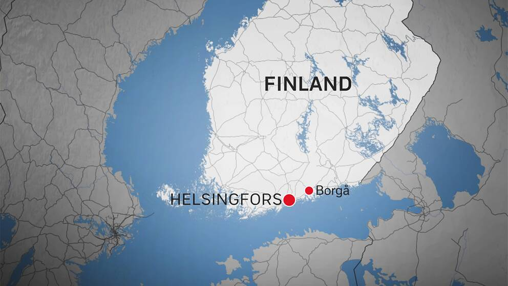 De båda poliserna skottskadades i staden Borgå, som ligger cirka 50 kilometer från den finska huvudstaden Helsingfors.