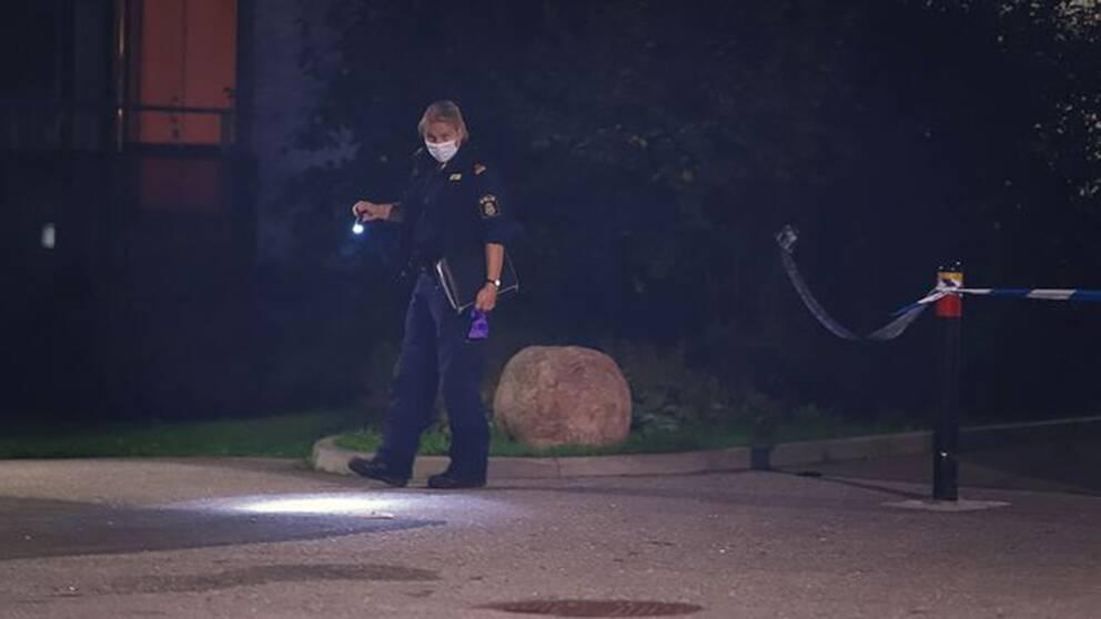 Kvinna skjuten till döds i Vällingby