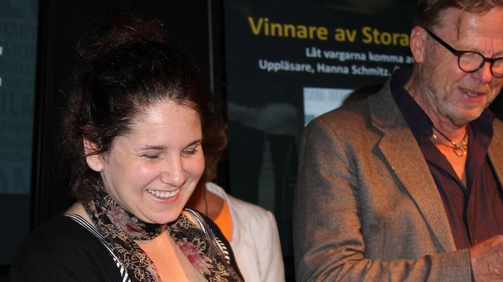 Carol Rifka Brunt tillsammans med skådespelaren Krister Henriksson, som sitter med i prisjuryn.