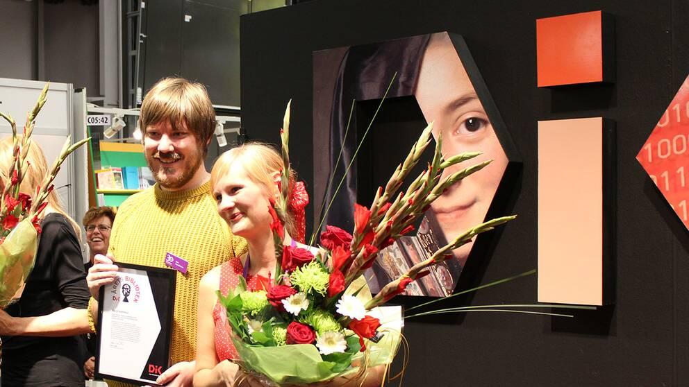 Eric Haraldsson och Rebecca Borg, skolbibliotekarier från Växjö.