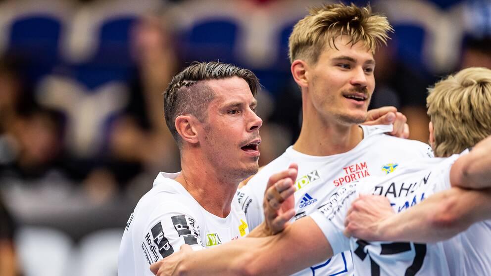 Ystads Kim Andersson och Jim Andersson jublar.