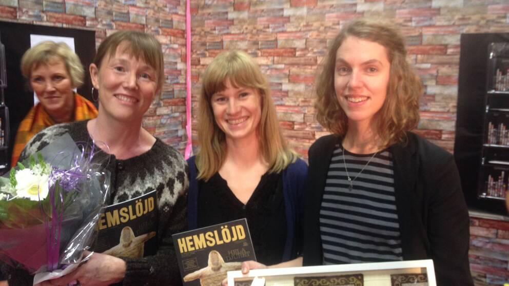 Hemslöjds chefredaktör Malin Vessbyng, redaktionssekreterare Liv Blomberg och Maria Diedrichs, redaktör.