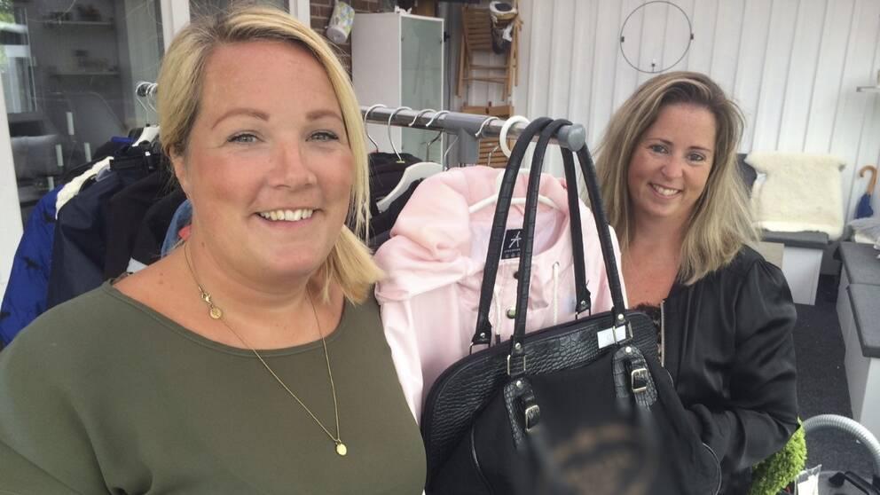 Lina Lundberg och Emma Hermansson är initiativtagare till Loppisrundan i Habo.