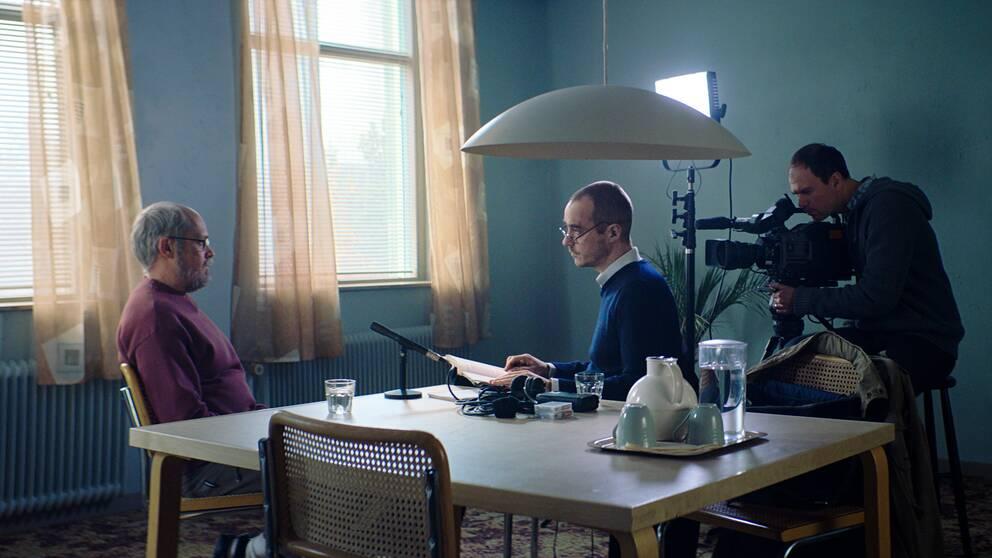 """Scen ur filmen """"Quick"""" där Hannes Råstam intervjuar Thomas Quick"""