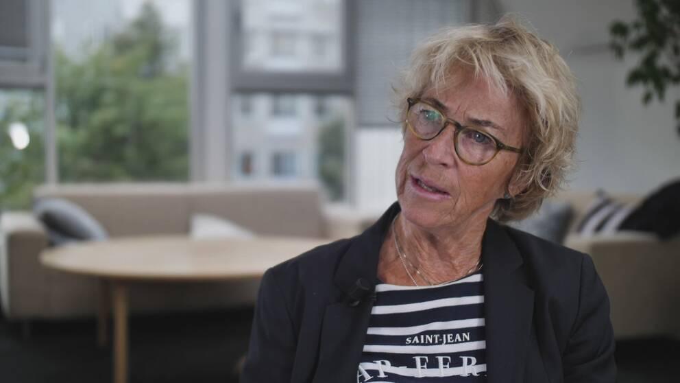 Anna-Maria af Sandeberg, läkare och tidigare verksamhetschef vid SCÄ, menar att vården hade kunnat göra mer för patienterna, om vårdpengarna hade använts på rätt sätt.