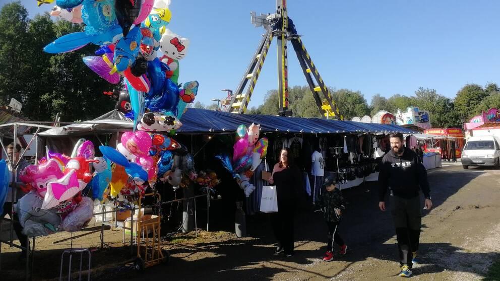 Torsby marknad, ballongeroch marknadsstånd.
