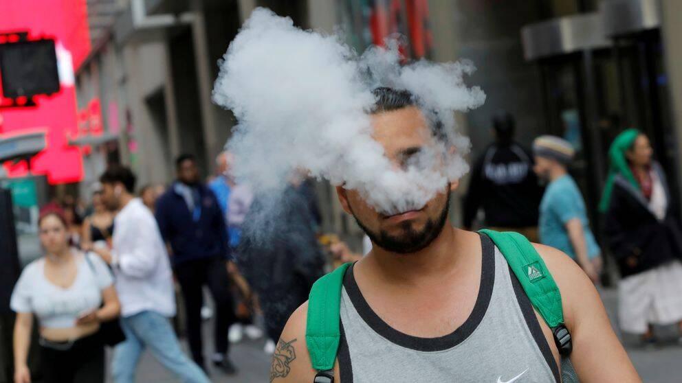 Antalet lungåkommor som kopplas till e-cigaretter i USA skrivs ned. Arkivbild.