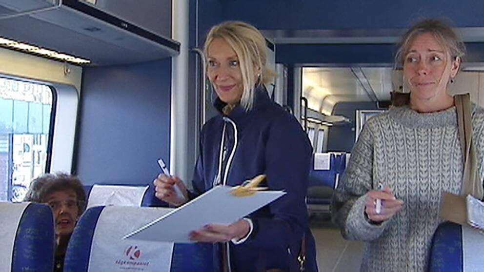 Fr v Karin Kalteren Busink, Helena Fhager och Atti Trygg, åkte tre gånger tur och retur Arvika Karlstad för att samla namnunderskrifter.