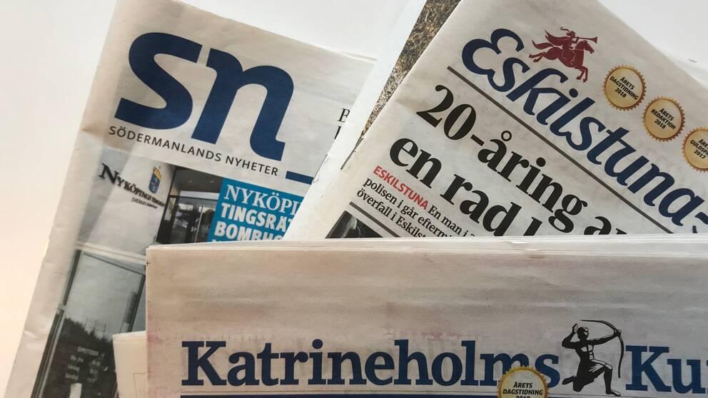 Pappersupplagorna av Södermanlands Nyheter, Eskilstuna-Kuriren och Katrineholms-Kuririen.