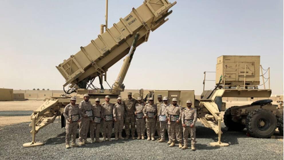 Saudiska miliärer framför Patriot luftvärn under en övning med USA i Kuwait den 19 februari 2018.