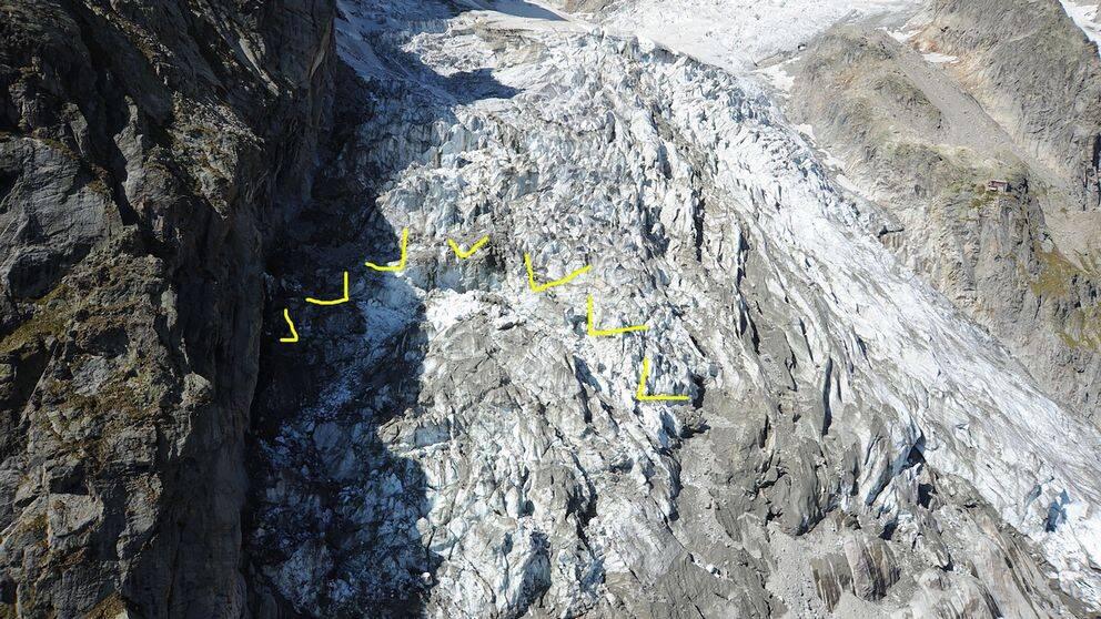 Det gulmarkerade området är det som som riskerar att kollapsa, enligt italienska myndigheter