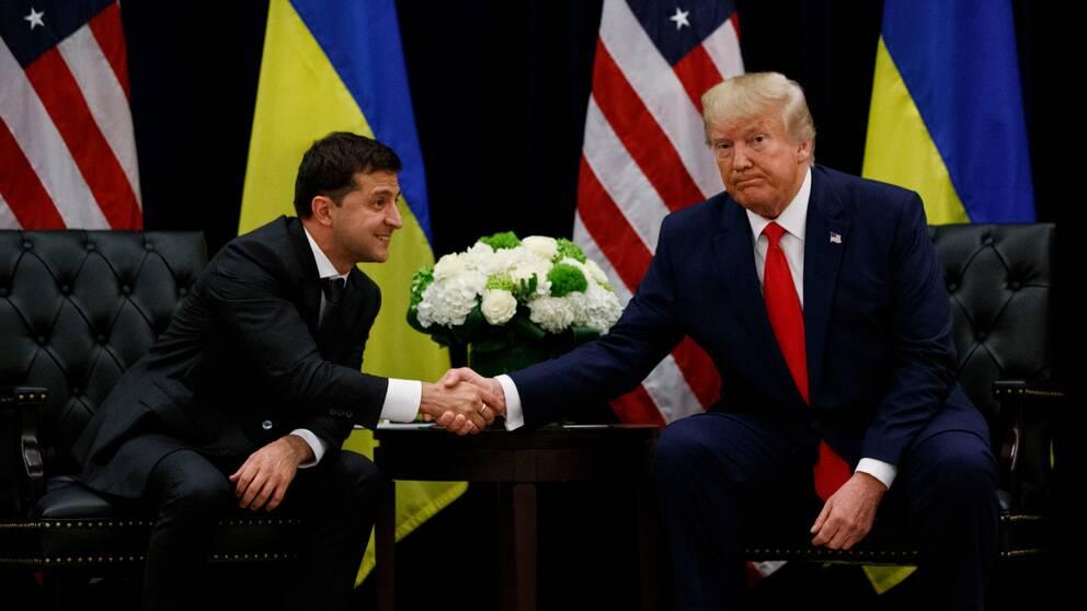 USA:s president Donald Trump och Ukrainas president Volodymyr Zelenskiy höll en gemensam pressträff om telefonsamtalet.