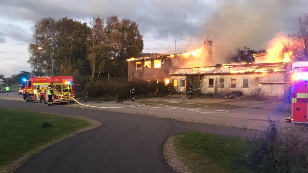 Brand i industribyggnad i Harplinge