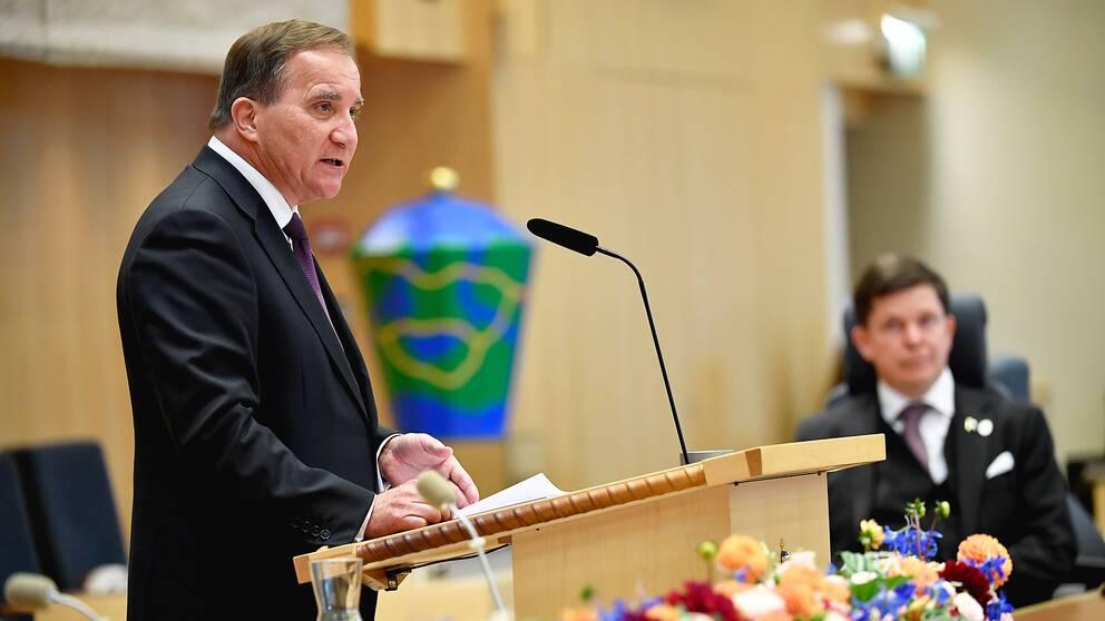 Stefan Löfven läser upp regeringsförklaringen vid riksmötets öppnande
