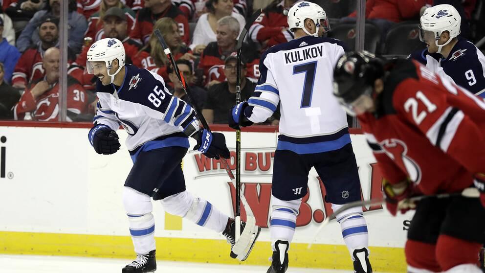 Winnipeg vann trots underläge med 0–4 mot New Jersey.