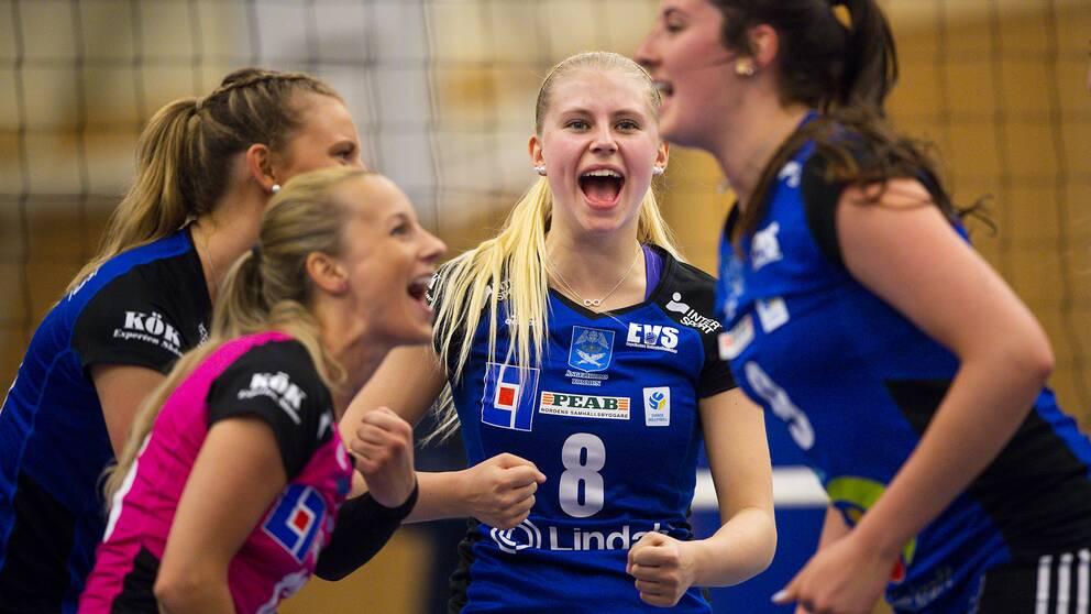 Engelholm jublar under finalen i våras.