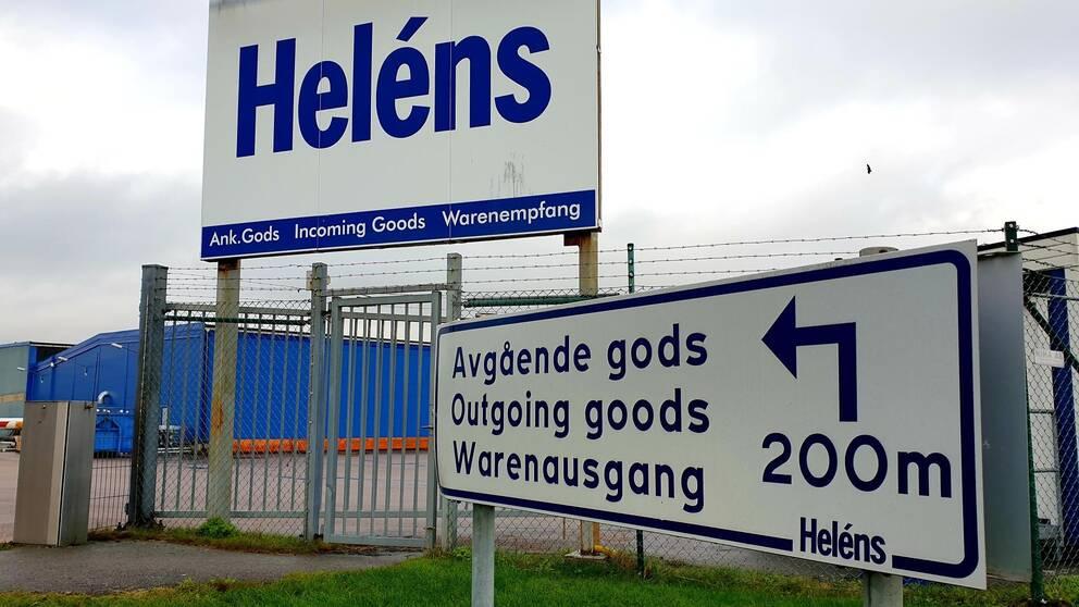 Bild på Heléns Rörs skylt vid lagret i Halmstad.