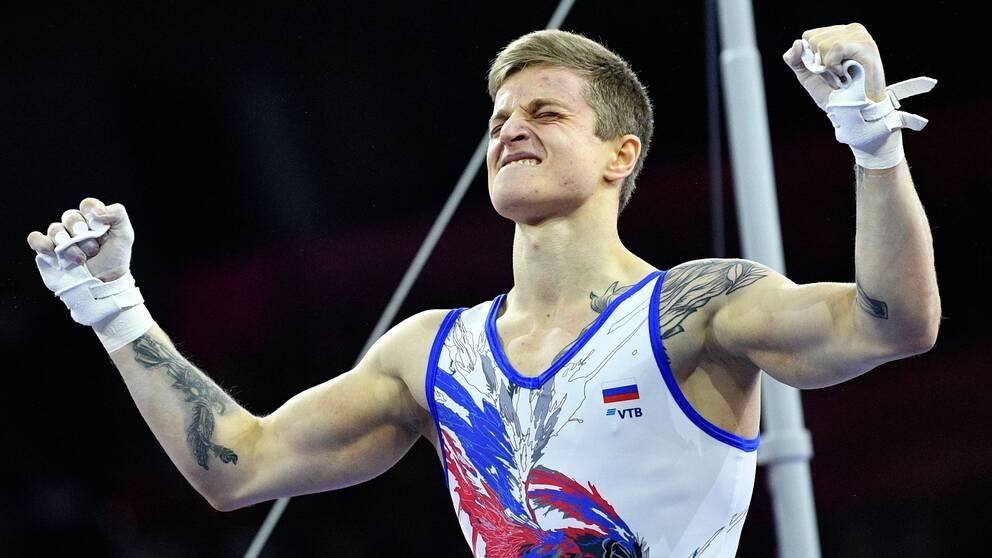 Ivan Stretovich i det ryska laget jublar under lagfinalen i VM.