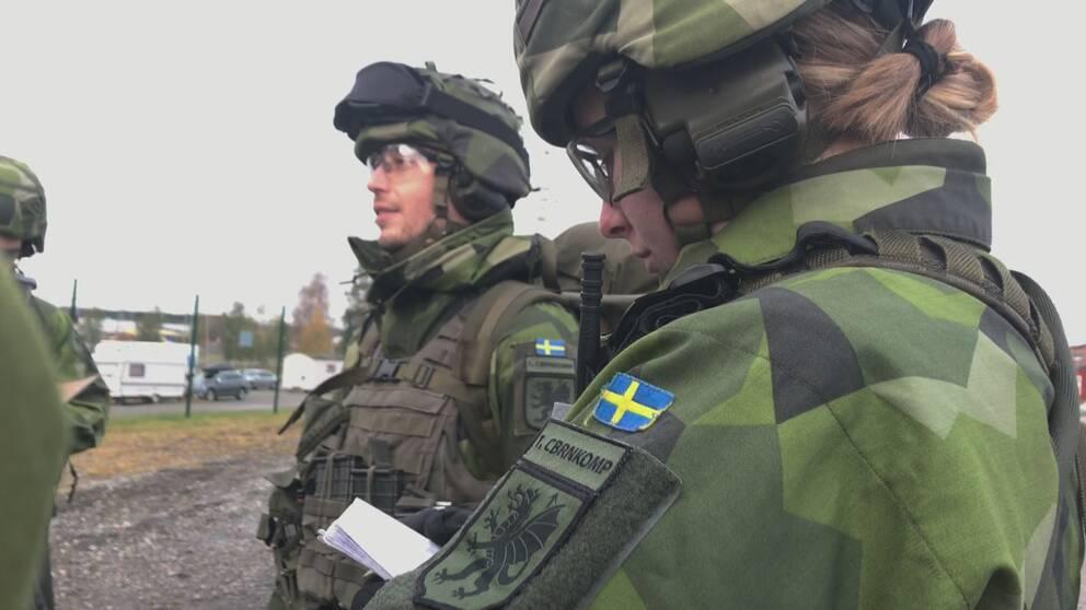 svenska militärer i uniform, första carbinkompaniet