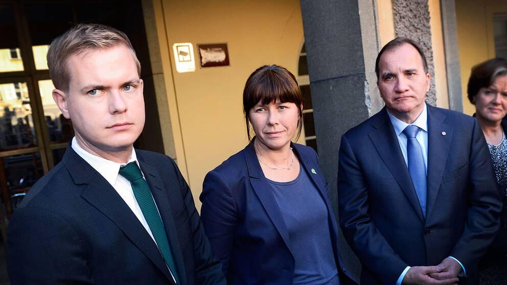 Gustav Fridolin och Åsa Romson, MP, och statsminister Löfven (S).