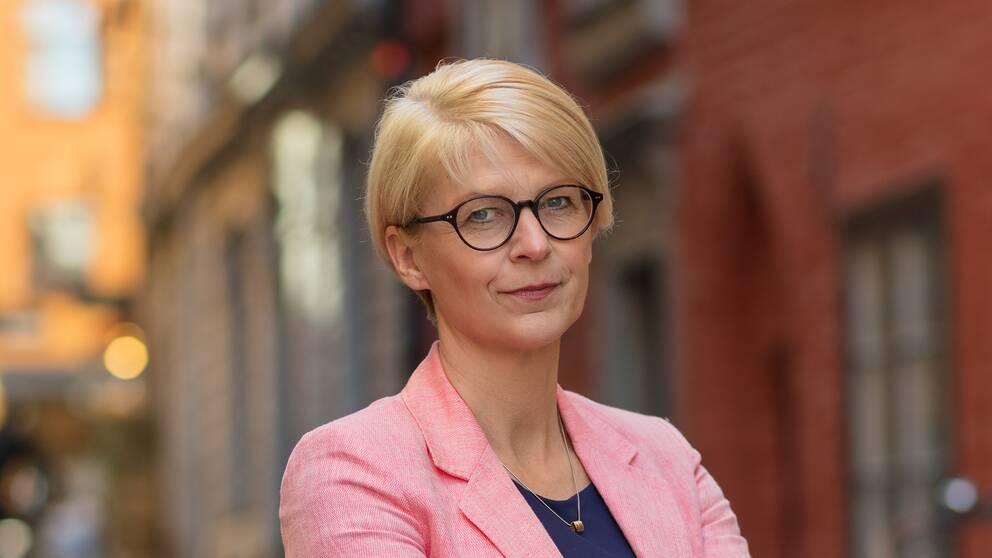 Elisabeth Svantesson, Moderaterna.