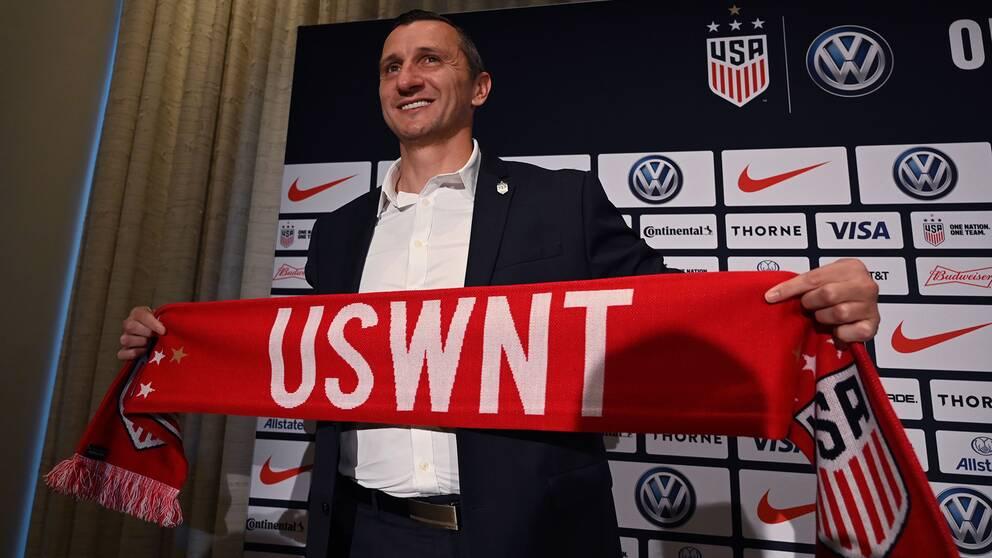 Vlatko Andonovski tar över det amerikanska damlandslaget.