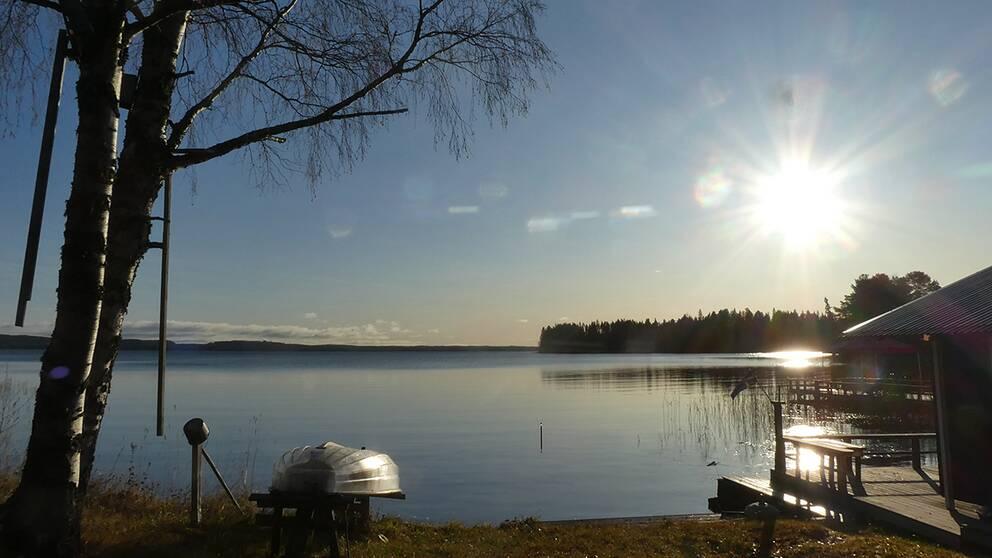 Strålande sol i Månstaviken, Jämtland.