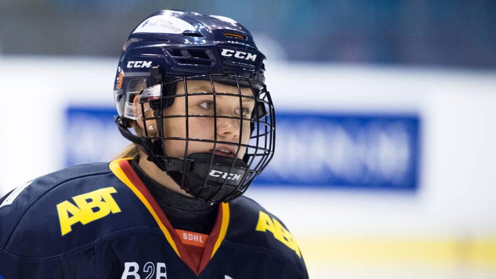 Djurgårdens Josefin Bouveng stängs av i två matcher i SDHL.