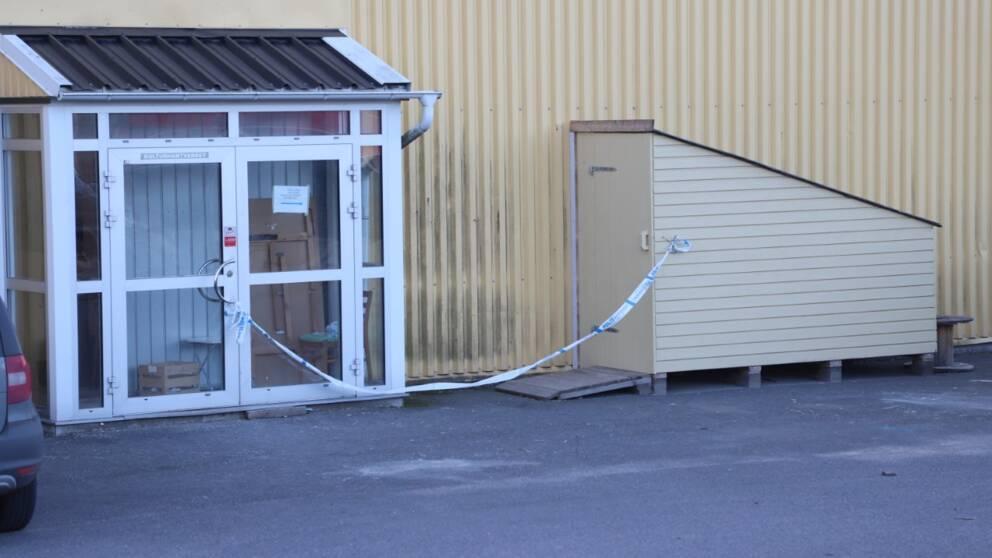 Avspärrad dörr i Jordbro