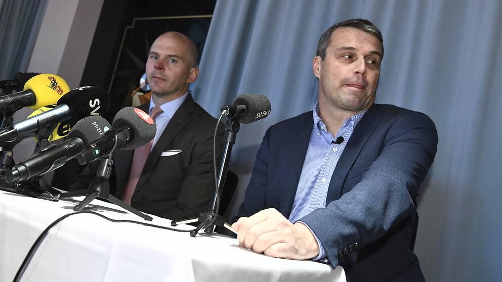 Östersunds FK:s före detta ordförande Daniel Kindberg (th) håller en pressträff med sin försvarsadvokat Olle Kullinger där de kommenterar domen om grov ekonomisk brottslighet.