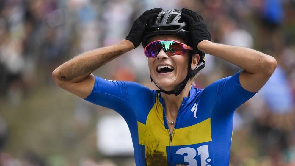 Jenny Rissveds efter världscupsegern i Schweiz i augusti.