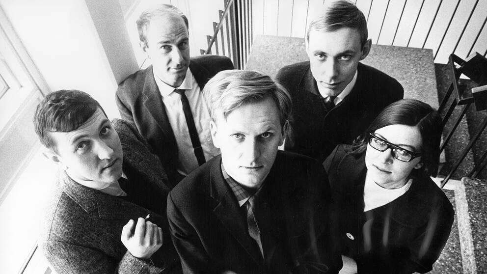Olle Häger på Sveriges Radios Obsredaktion 1966. Fritiof Haglund, Gunnel Törnander, Göran Skånsberg, Mårten Andersson och Olle Häger