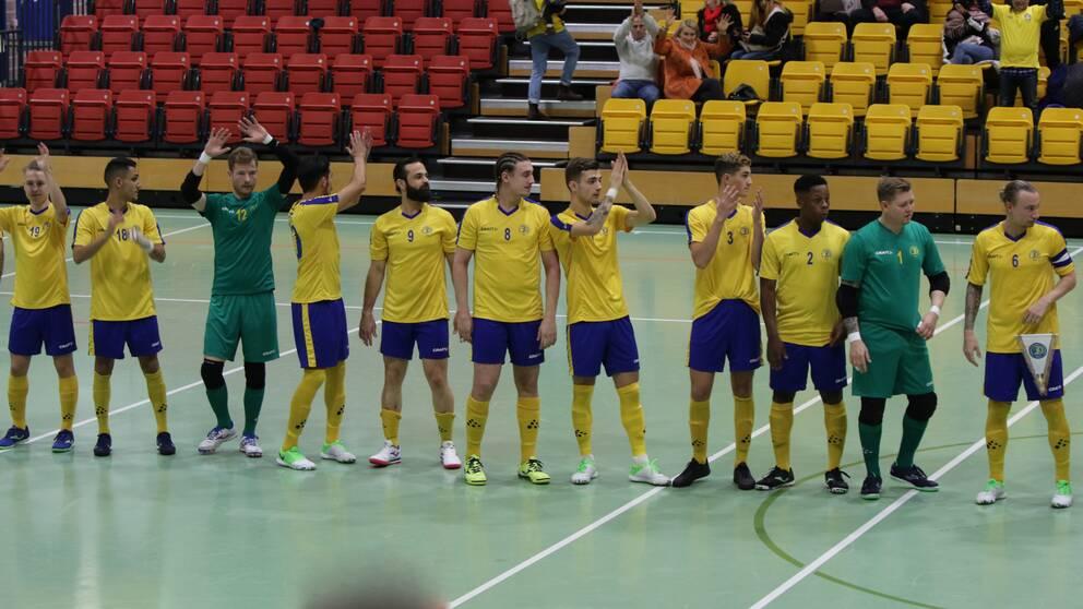 Herrarna till semifinal