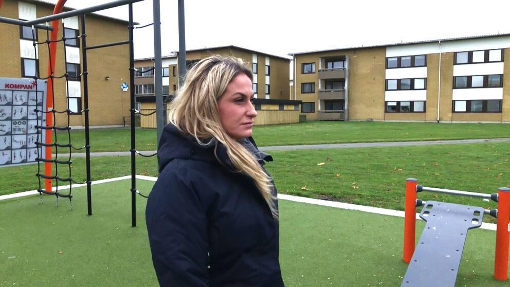 Arta Rexhepi arrangerar många av aktiviteterna på Charlottesborg, något som sysselsatt unga och fått tryggheten att öka i området.