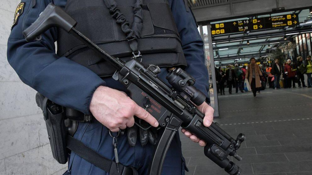 Polis med förstärkningsvapen