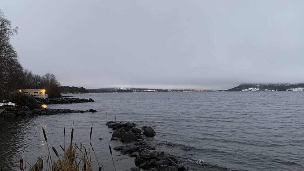 Grått väder över Östersund i Jämtland.