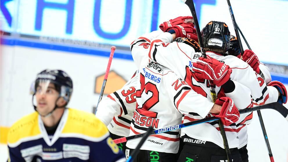 Örebro besegrade HV71 och är nu serieledare.