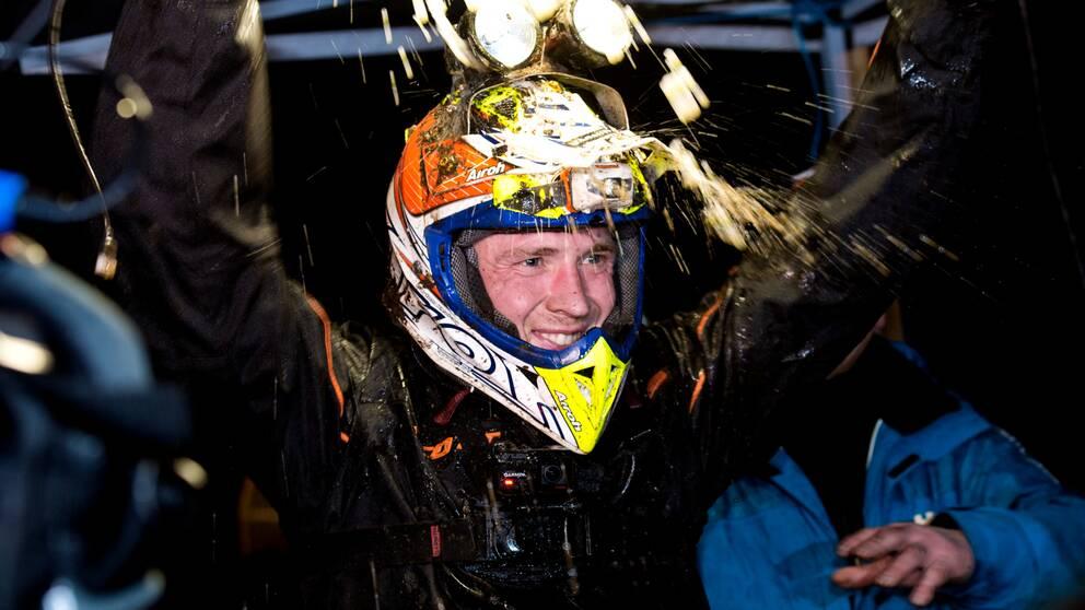 Joakim Ljunggren, Karlskoga EK, jublar efter vinsten i Novemberkåsan den 29 november 2015 i Uddevalla.