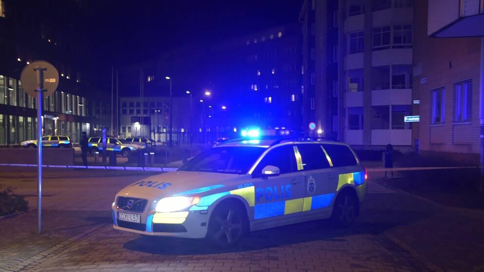 Polisbil vid Rättscentrum i Malmö