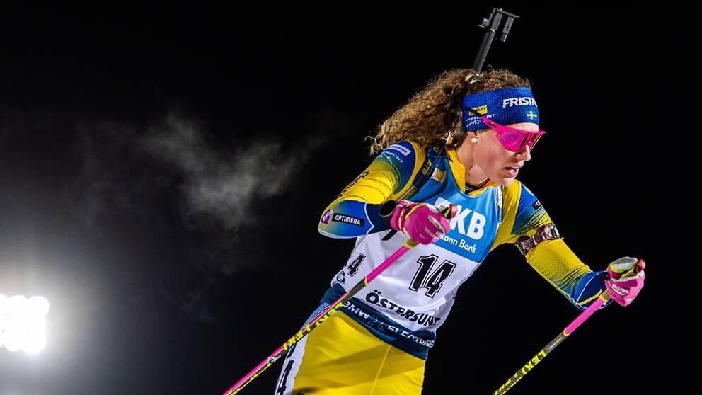 Hanna Öberg under distansloppet i Östersund.