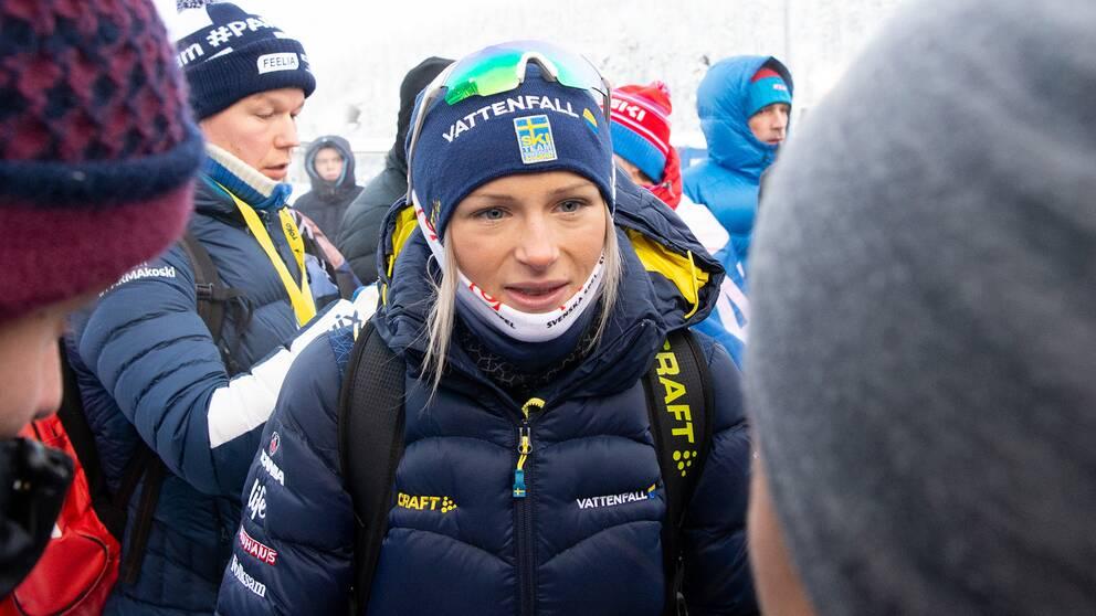 Frida Karlsson stoppas från tävlande.