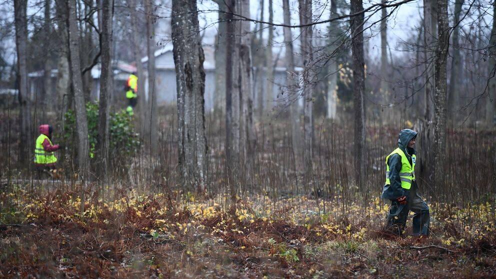 Pojkens försvinnande föranledde ett stort sökpådrag på Öland där hundratals frivilliga gick skallgång genom Färjestaden.