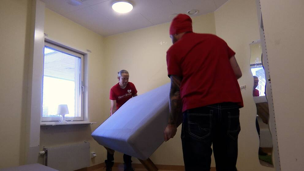 Idag fick volontärerna i nätverket nyckeln till boendet så de kan börja komma i ordning inför vintern.