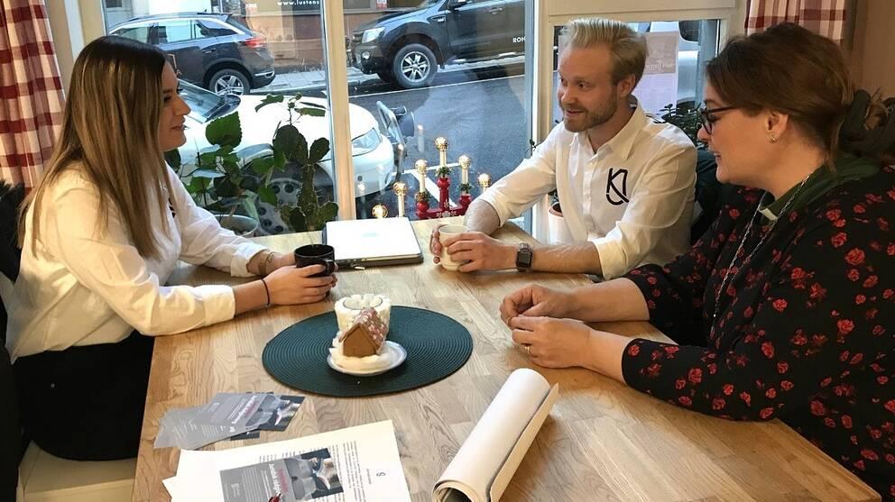 Den ideella organisationen Karlstadsjuristerna hjälper till med juridisk rådgivning gratis för dem som annars inte skulle ha råd med det.