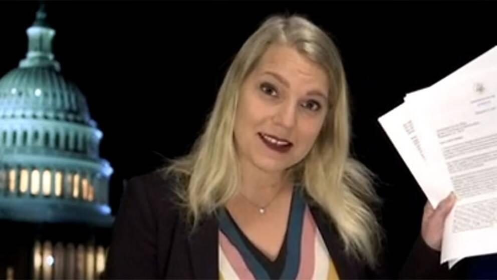 SVT:s USA-korrespondent Carina Bergfeldt med Trumps brev