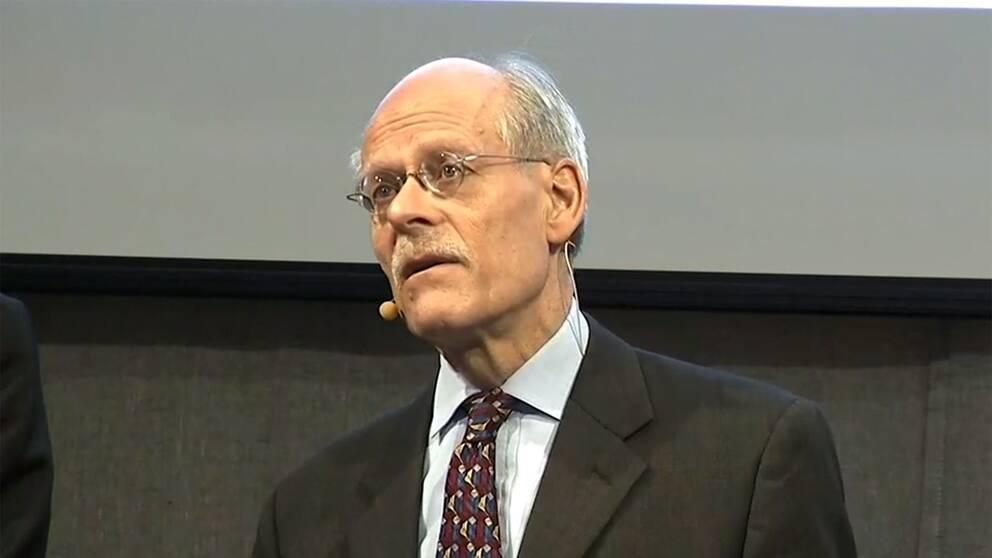 Riksbankschef Stefan Ingves presenterar räntehöjningen