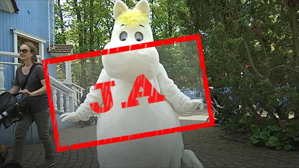 Mumintroll med en JA-skylt stämplad över sig.